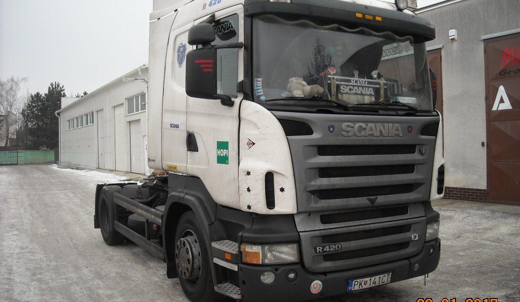 Výmena čelného skla Scania